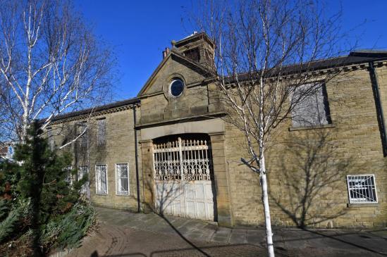 Bradford gatehouse.jpg